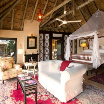rm-luxury-suite-bedroom-room-accommodation-luxury-safari-hotel-kruger-park