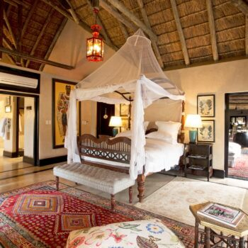 rm-royal-suite-bedroom-room-accommodation-luxury-safari-hotel-kruger-park