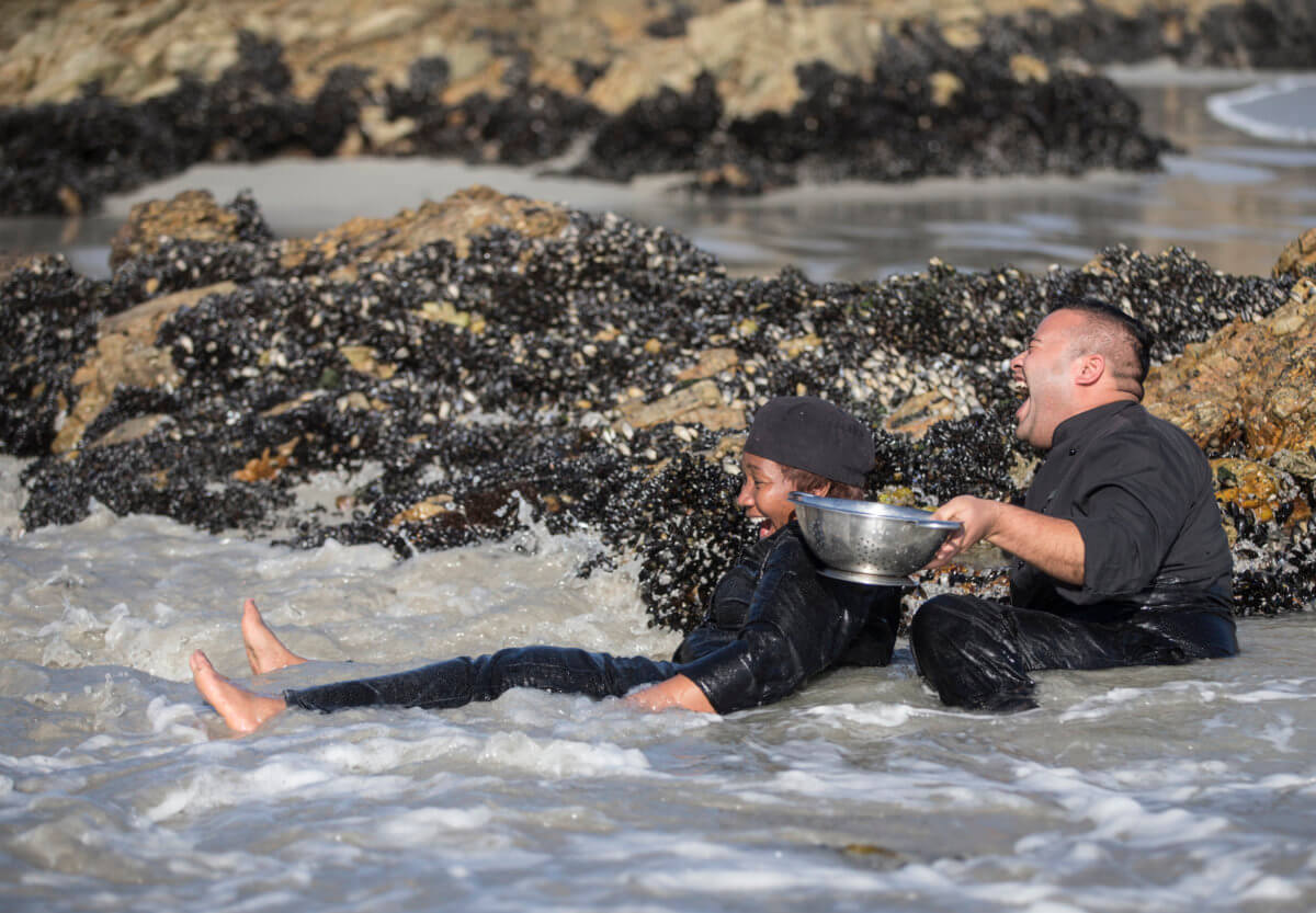 Mussel picking at Birkenhead House