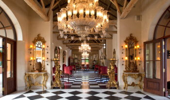 great-hall-entrance-luxury-hotel-chandelier