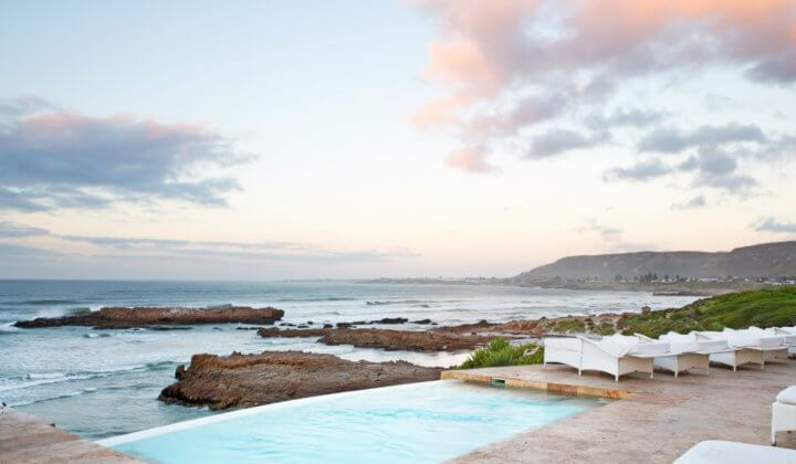 property-overview-gallery-view-clifftop-pool-sunset-deck