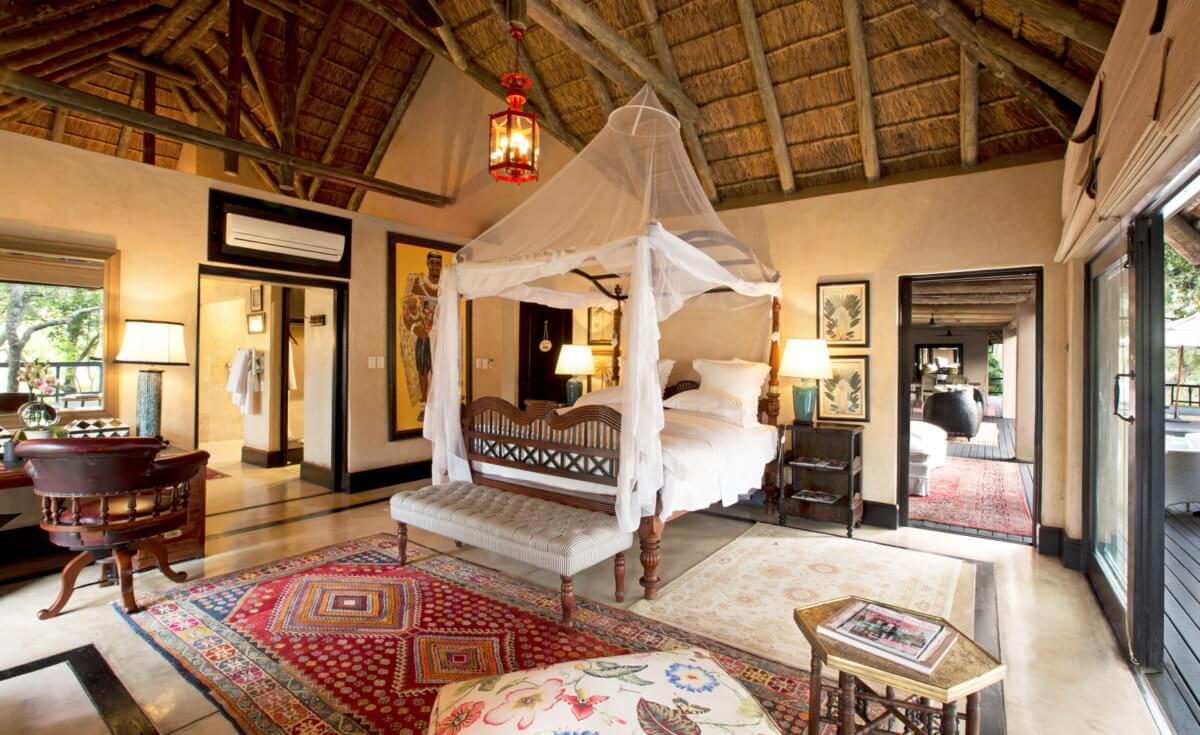 Boasting unparalleled views the royal malewanes six palatial suites are the pinnacle of refinement and opulence in game lodge accommodation