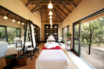 experiences-spa-treatment-room